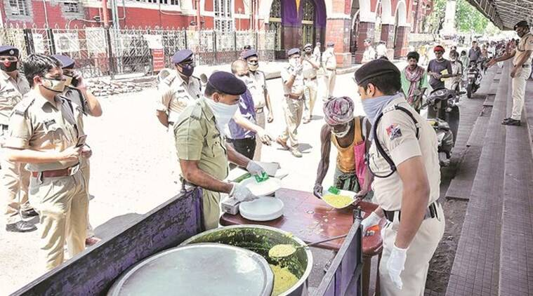 Mehsana police initiates community kitchen for the needy