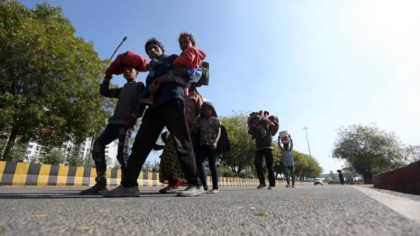 india lockdown migrants walk coronavirus