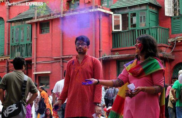 holi images, kolkata holi, rabindranath tagore, jorosanko thakurbari, Holi photos, happy holi, holi 2020, holi celebrations, holi pics, holi pictures, holi in india, holi 2020, indian express