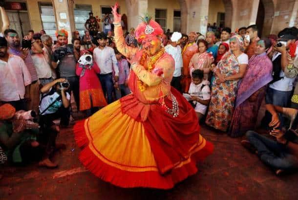 holi images, holi, holi 2020, happy holi, happy holi 2020, holi hai, holi photos, lathmaar holi, barsana holi, nandgaon holi, vrindavan holi, widow holi, holi in india photos, india holi, holi celebrations, holi celebration photos, india news, festival news, indian express