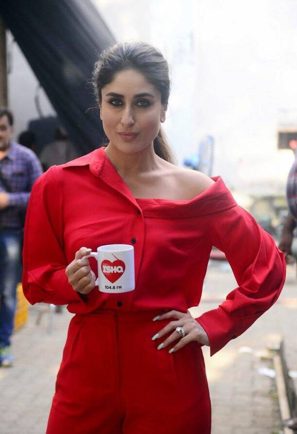 kareena kapoor, kareena kapoor red, kareena kapoor red dress, kareena kapoor red photos, kareena kapoor recent photos, indian express, indian express news