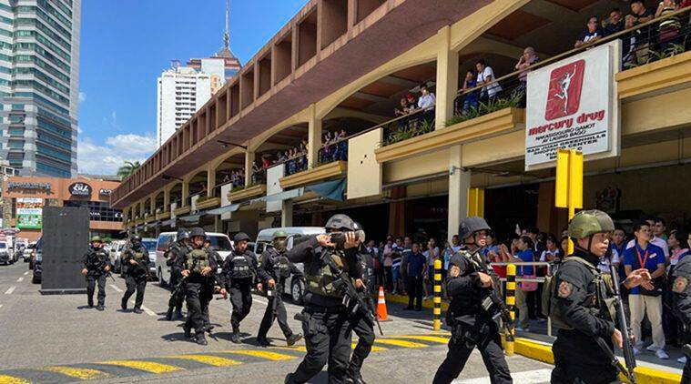 Philippines: Disgruntled ex-guard takes dozens of hostages in Manila mall