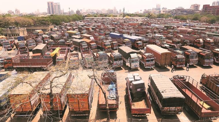 coronavirus outbreak, Maharashtra borders sealed, truckers stranded, mumbai news, maharashtra news