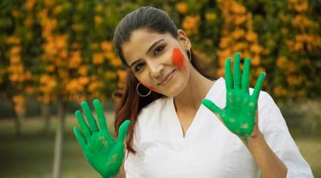 Holi, Holi skincare guide for pregnant women, Holi tips for pregnant women, parenting, indian express, indian express news