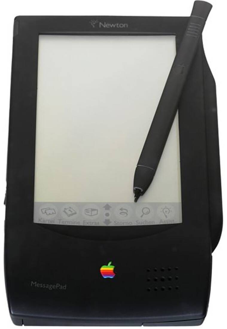 Apple, Apple vintage, Apple retro gadgets, Apple Pippin, Apple eMate 300, Apple 20th anniversary Mac, Apple Newton, Apple iPod Hi-Fi, Apple iSight camera, Apple G4 Cube