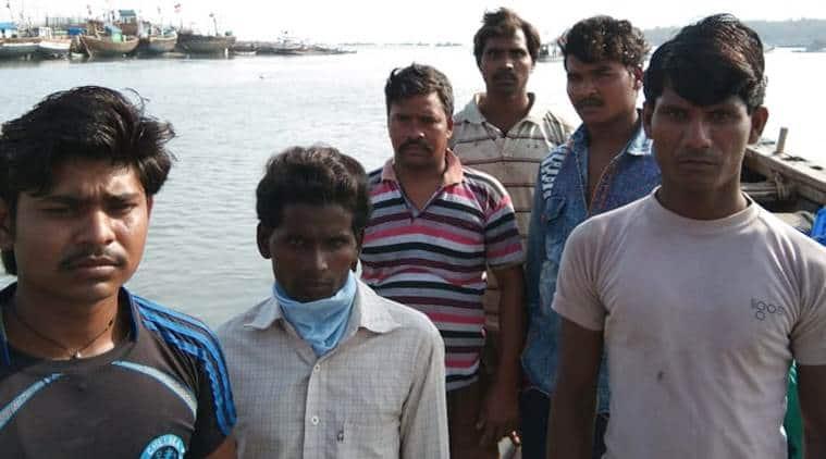 Mumbai fishermen, Mumbai lockdown, fishermen live on boats, Mumbai news, India lockdown, Mumbai police, indian express