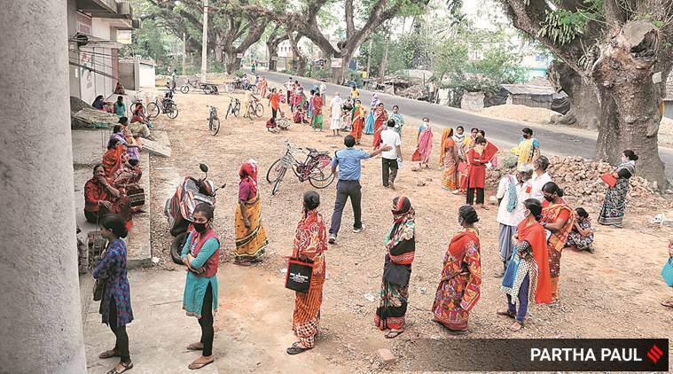 Cash over, women queue to draw Rs 500 from Jan Dhan accounts
