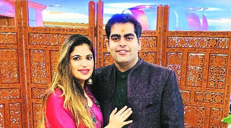 COronavirus pandemic, online Wedding, Home Wedding plans, Maharashtra news, indian express news