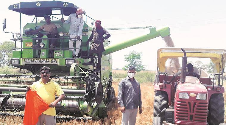 harvester combines, stubble burning, Farmers, India lockdown, indian express news