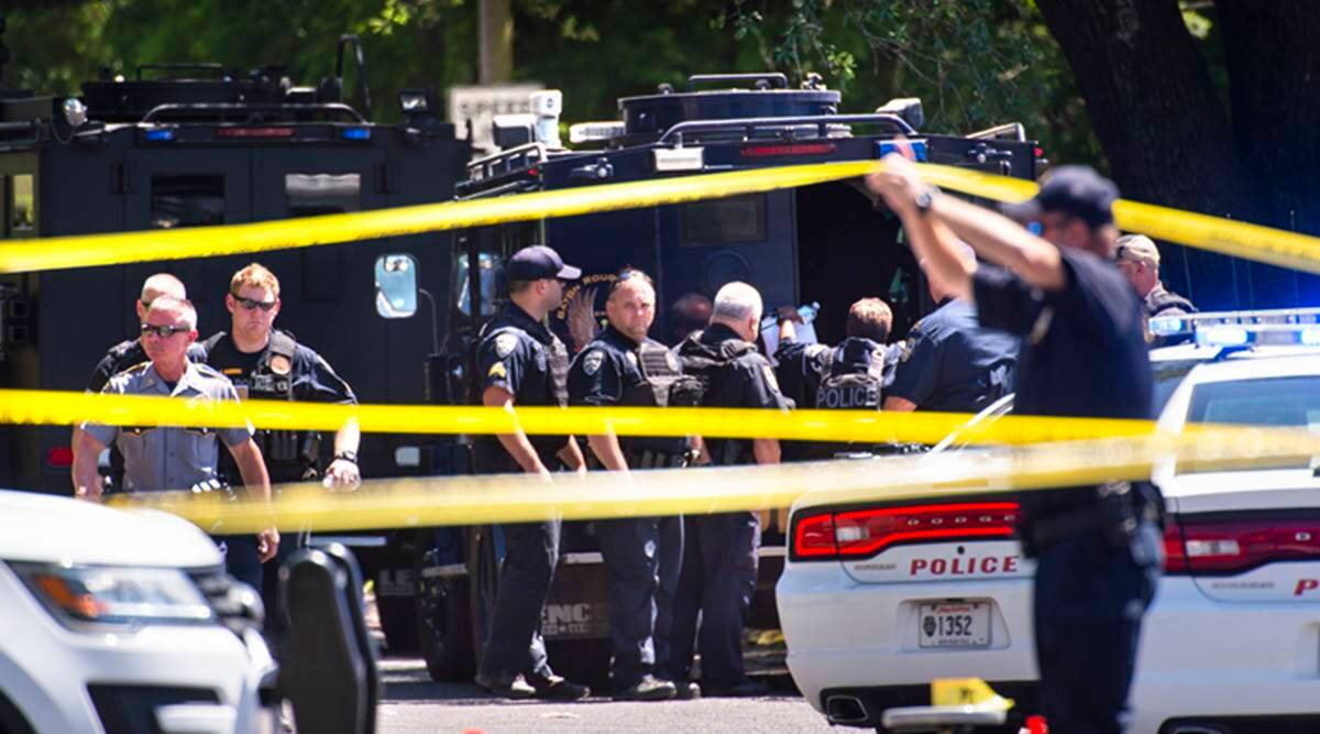 Police: 1 officer dead, 1 more wounded in Louisiana shooting