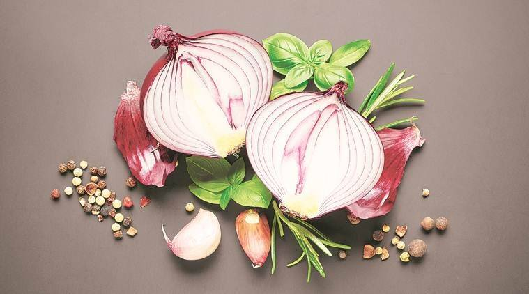 onion juice, hairfall, hair problems, blood circulation, indianexpress.com, indianexpress, Dr Pallavi Sule, anti-hairfall, home remedy, vitamin C, anti-inflammatory, hair follicles, hair mask, onion hair mask, onion juice for hair, how to regrow hair, onion for hair, tamannaah bhatia