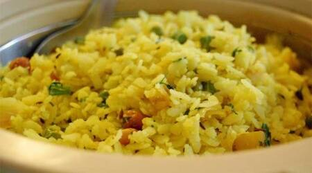 if no poha what to make, bread poha recipes, roti poha, roti chivda recipe, indianexpress.com, indianexpress, essentials, breakfast recipes, lunch recipes, snack recipes, easy recipes,