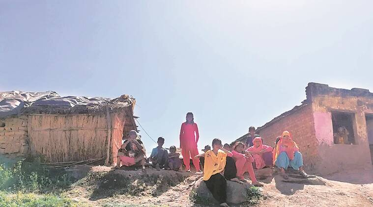 Maharashtra: Migrant labourers who stayed back  at places of work left in the lurch