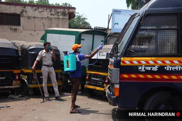 Coronavirus: A day after angry migrants flood Mumbai streets, security tightened, food distributed