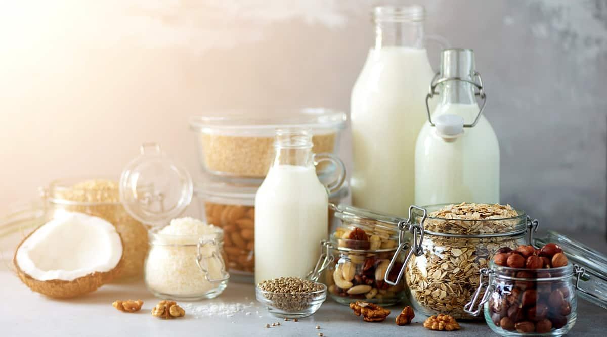 Benefits of Oat milk, coconut milk and Cashew milk