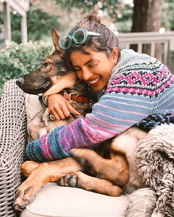 priyanka chopra with her dog