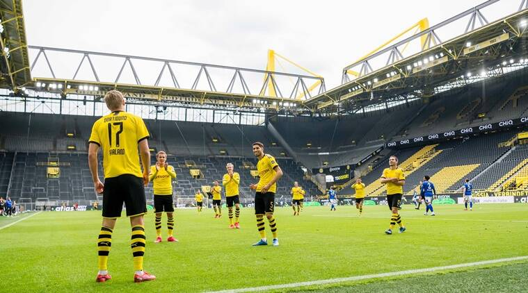 Borussia Dortmund celebrates goal with proper social distancing""