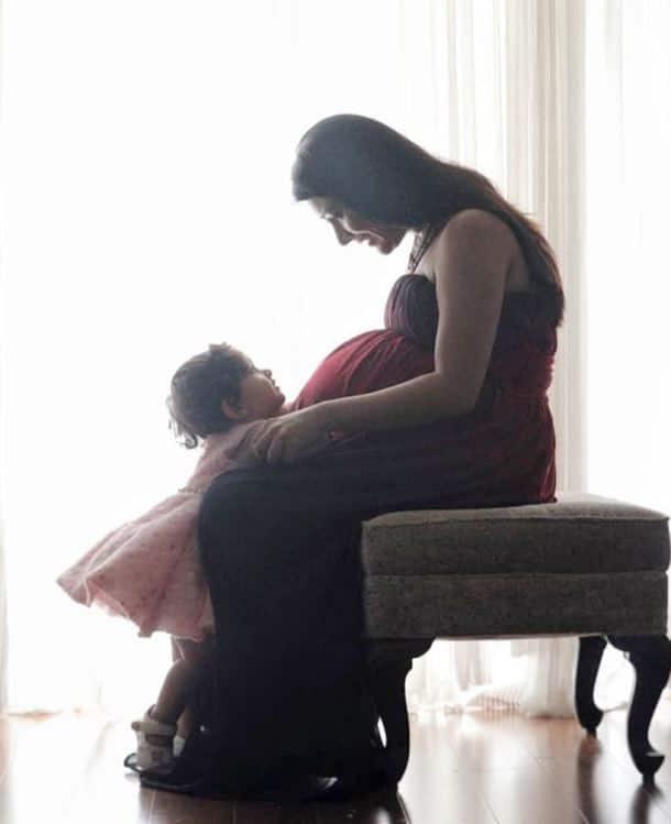 radhika pandit daughter ayra pregnancy pics