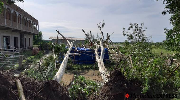 Cyclone Amphan, bengal Cyclone Amohan, Bengal Amphan damage, West bengal government, bengal residents cyclone Amphan, Indian express