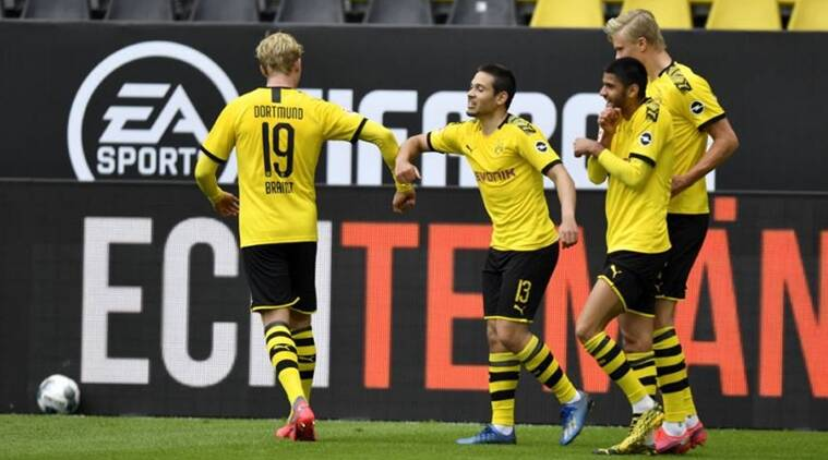 Borussia Dortmund rout Schalke 04 to close gap on Bayern Munich ...