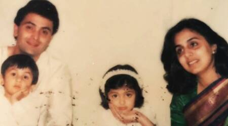 rishi kapoor and neetu kapoor with riddhima and ranbir