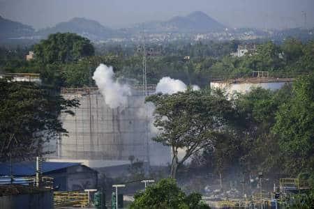 Gas leak, Vishakhapatnam gas leak pic, Vizag gas leak pics, Visakhapatnam pics, LG chemical plant, Gopalapatnam, Indian Express