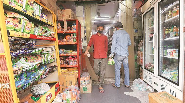 india coronavirus lockdown, essential items, home delivery, home delivery apps, bigbasket, grofers, delhi police, e commece market, coronavirus impact on e commerce, indian express news