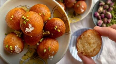neha deepak shah, easy recipes, indianexpress.com, indianexpress, non-fried gulab jamun, how to make gulab jamun, gulab jamun easy recipe, dessert recipes,