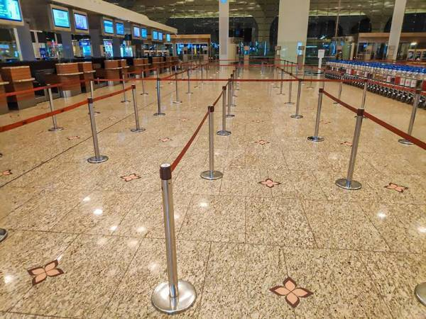 flights, domestic flights, domestic flights today, mumbai airport, delhi airport, india lockdown, coronavirus, indian express news