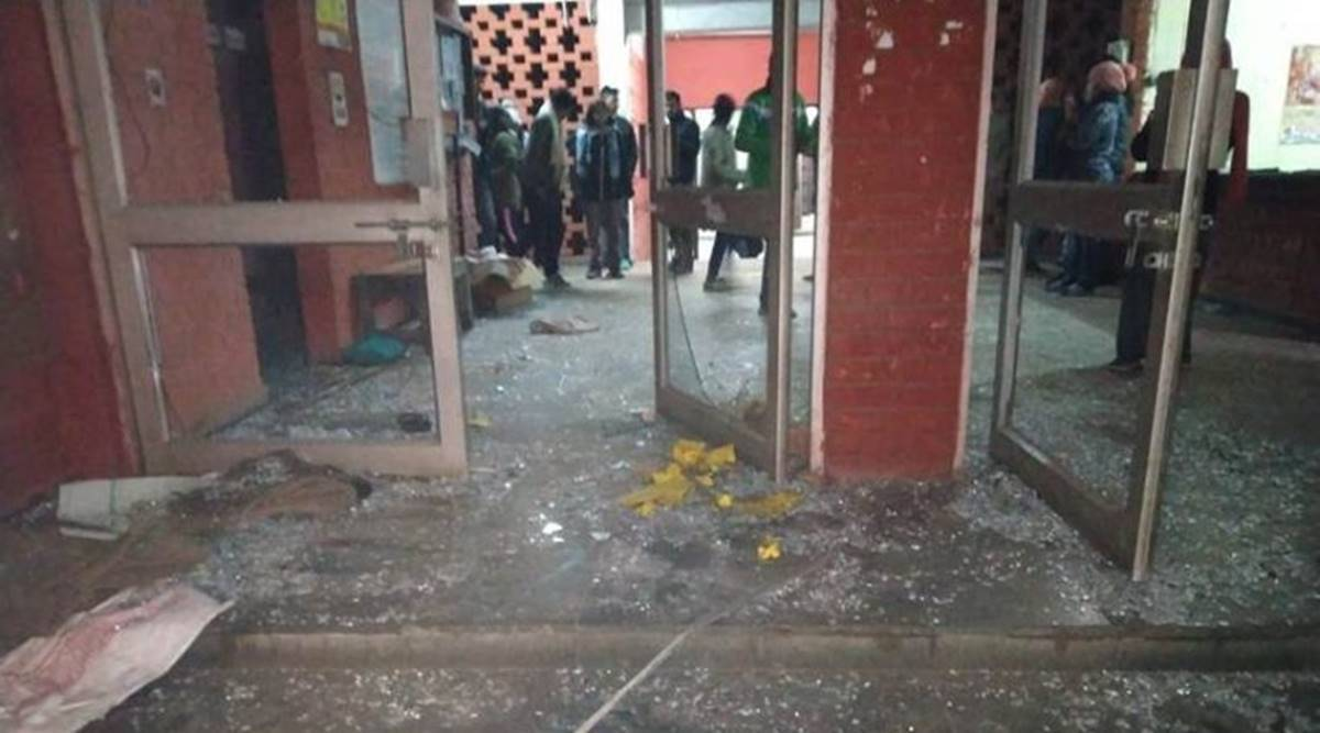 Delhi: Court asks police to submit report on Jan 5 rampage