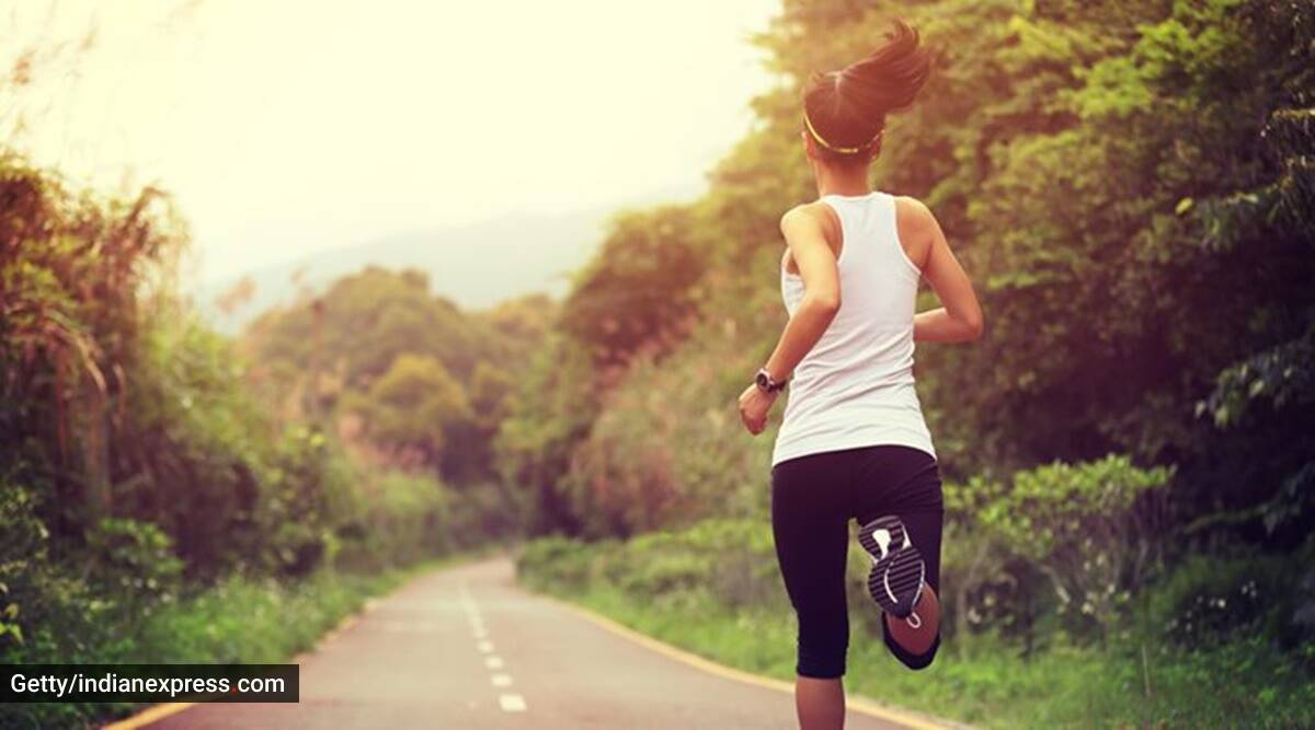 jogging with mask, should you wear mask while jogging, indianexpress.com, indianexpress, running and masks, walking and mask, lung burst, covid-19, pandemic, fitness,