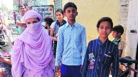 A family returns to UP: 'apni sabse keemti cheez kho kar jaa rahe hain...'