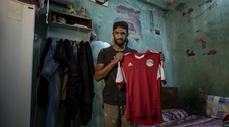 Pandemic turns Egyptian football player into a street vendor