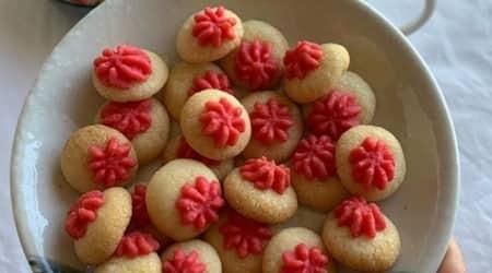 baking cookies, how to bake cookies, vanilla cookies, lemon cookies, neha deepak shah, indianexpress.com, easy recipes, indianexpress, miniature cookies,