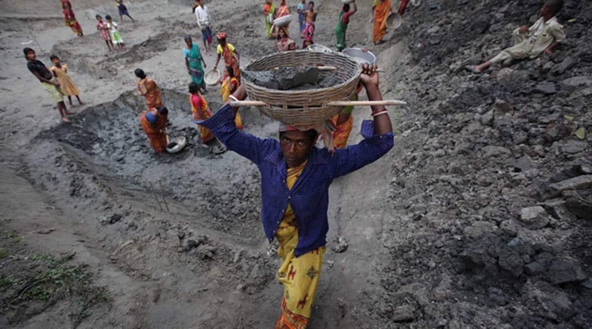 MNREGA, MNREGA workers, MNREGA workers in Maharashtra, Maharashtra MNREGA workers, India news, Indian Express