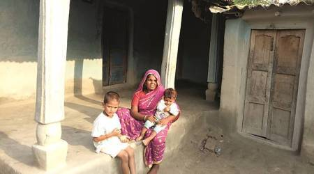 toddler waking up dead mother, migrant worker deaths, migrant worker death, India news, Indian Express