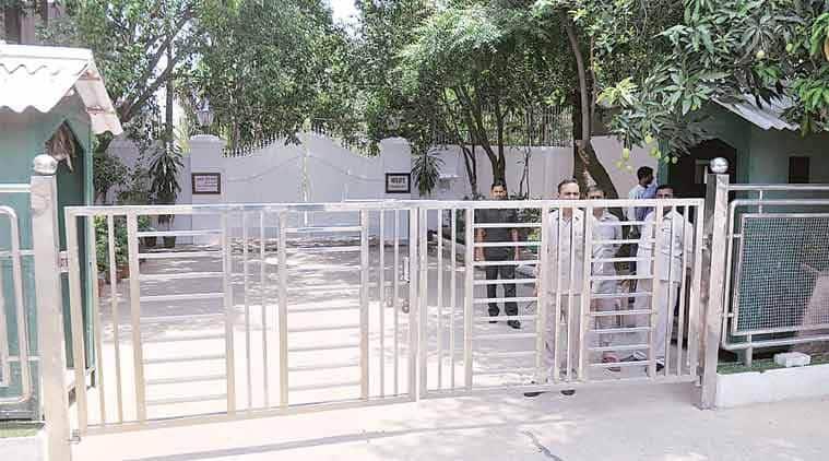 madhya pradesh, madhya pradesh minister bungalow, congress vacate official bungalow in MP, MO congress official bungalow, Shivraj Singh Chouhan, indian express