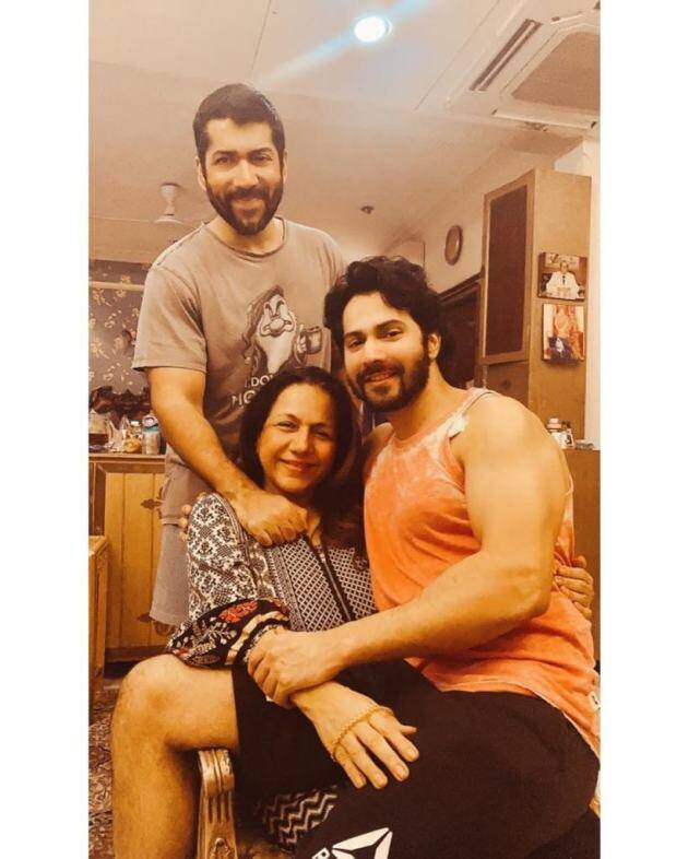 varun dhawan, varun dhawan mother