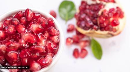 pomegranate for skincare, how does pomegranate help keep the skin healthy, skincare, indian express, indian express news