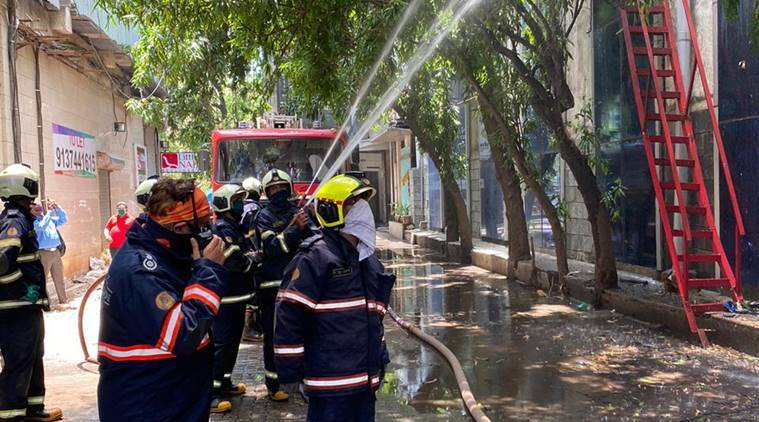 Mumbai fire, Raghuvanshi mill compound fire, Lower Parel, Mumbai news, Indian express