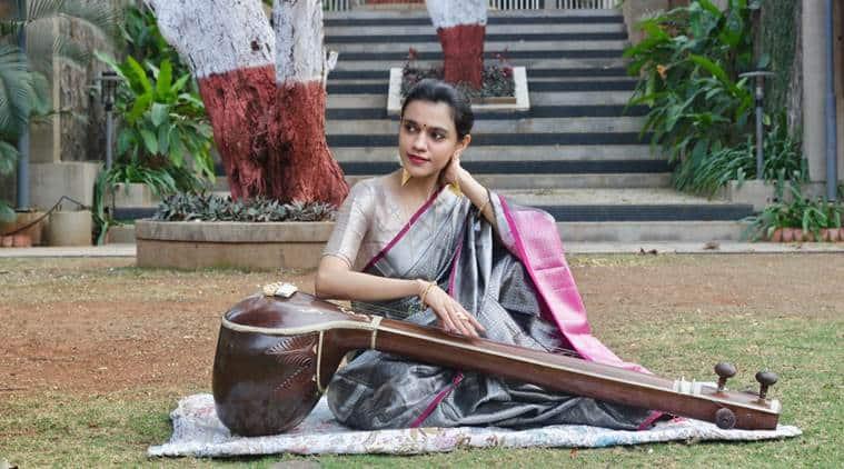 Chanteur Nirali Kartik. Entretien avec Nirali Kartik, Nirali Kartik Maati Baani, Nirali Kartik indian express, concerts à domicile, e-concerts, musique classique hindoustani, musique en lockdown, indian express, indian express news