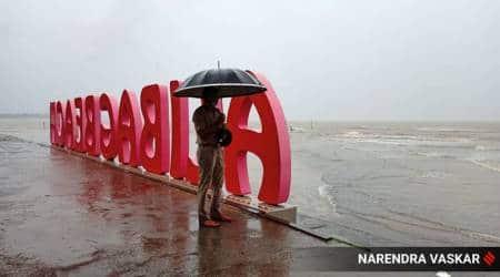Cyclone Nisarga, Nisarga landfall today, Raigad residents evacuated, Mumbai cyclone Nisarga, Alibagh nisarga, Mumbai news, Indian express
