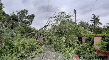 cyclone amphan, cyclone amphan in west bengal, cyclone amphan damage in west bengal, central team reviews amphan damage in west bengal, mamata banerjee, indian express news