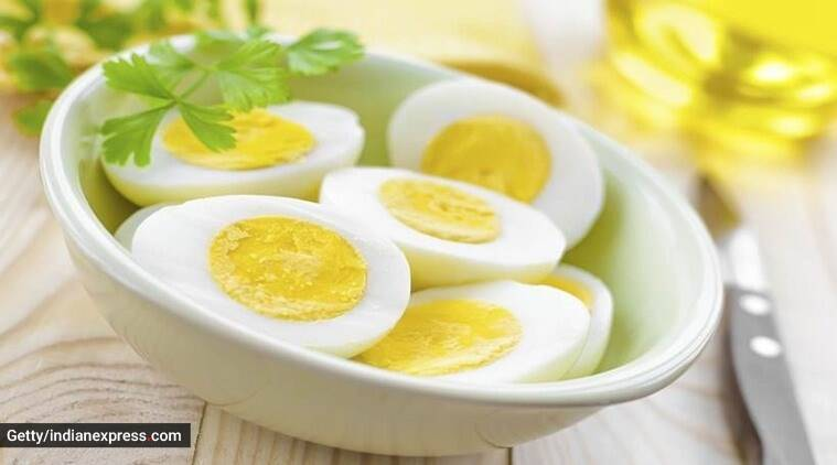 how to boil eggs, how to peel eggs, kabitas kitchen, egg recipes, indianexpress.com, hard-boiled eggs, soft-boiled eggs,