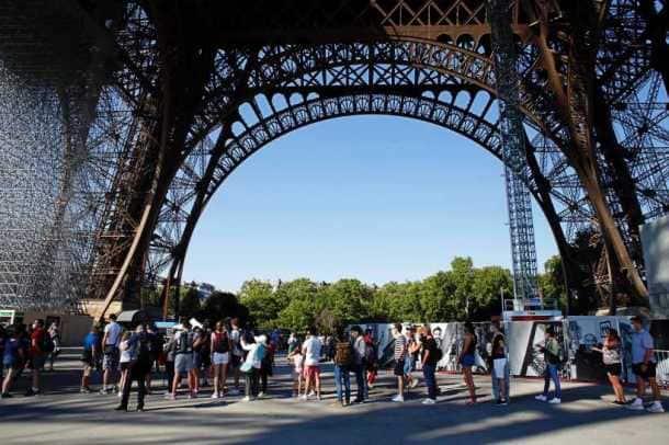 eiffel tower reopens, paris eiffel tower photos, paris news, paris coronavirus, eiffel tower shutdown, world war II, indian express