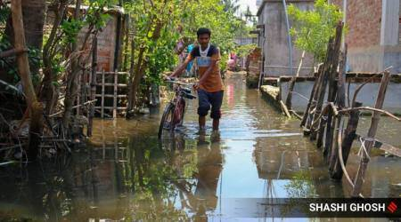 Cyclone Amphan, Cyclone Amphan West Bengal, West Bengal Cyclone Amphan, Barasat Saradapalli slum, Cyclone Amphan Sunderbans, kolkata barasat area, barasat Cyclone Amphan, India news, Indian Express