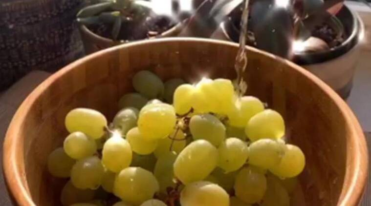 Netizens are squeezing lime juice over grapes to make candy; here's how