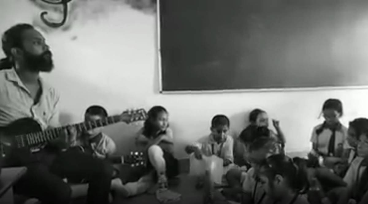 Students Soulful Rendition Of Indian Ocean S Bandeh Impresses Netizens Trending News The Indian Express