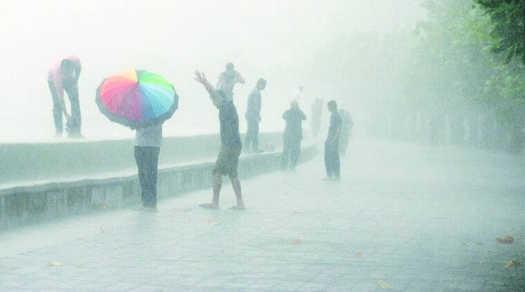 Mumbai monsoon, mumbai rain, one dead in mumbai monsoon, imd, imd mumbai weather update, indian express news