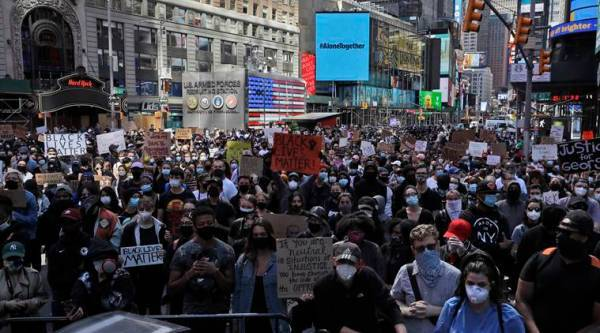 Fresh trouble as New York imposes curfew amid Floyd protests